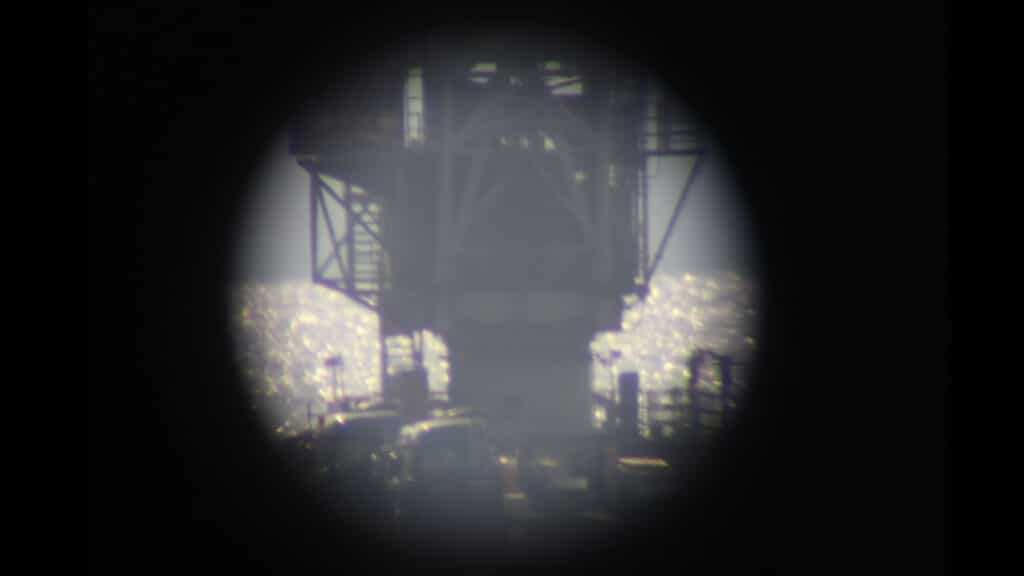 潜望鏡の参考画像。ここまで広範囲で黒く潰れることはないが。